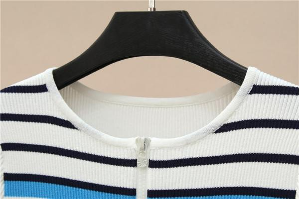 Neck Zipper Striped Knit T-Shirt | Seulgi – Red Velvet