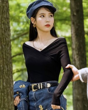 Dollar Sign Denim Skirt With Belt | IU – Hotel Del Luna