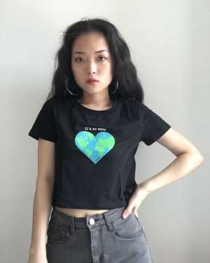 Jennie Earth Heart Black Shirt (2)