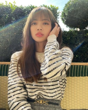 Black White Striped Sequin Sweater | Lisa – BlackPink