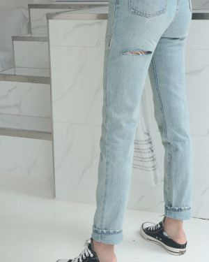 Light Blue Jeans With Ripped Tight (1)