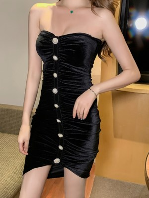 Nayeon Black Velvet Tube Dress (1)