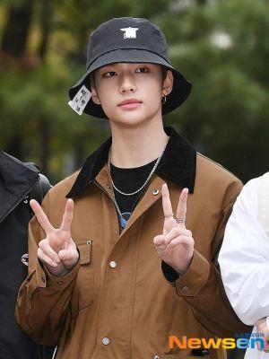 Black Collar Brown Tooling Jacket | Hyunjin – Stray Kids