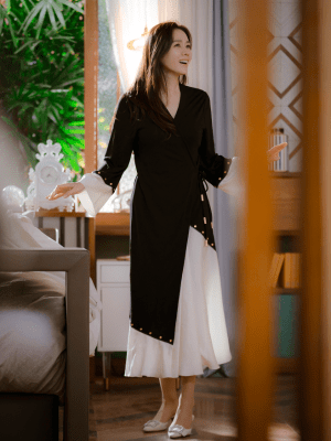 Black And White Drape Dress | Yoon Se Ri – Crash Landing On You