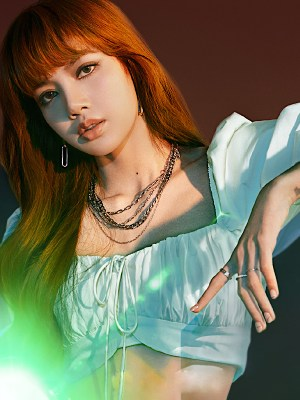Puff Sleeve Laced Cropped Shirt | Lisa – Blackpink