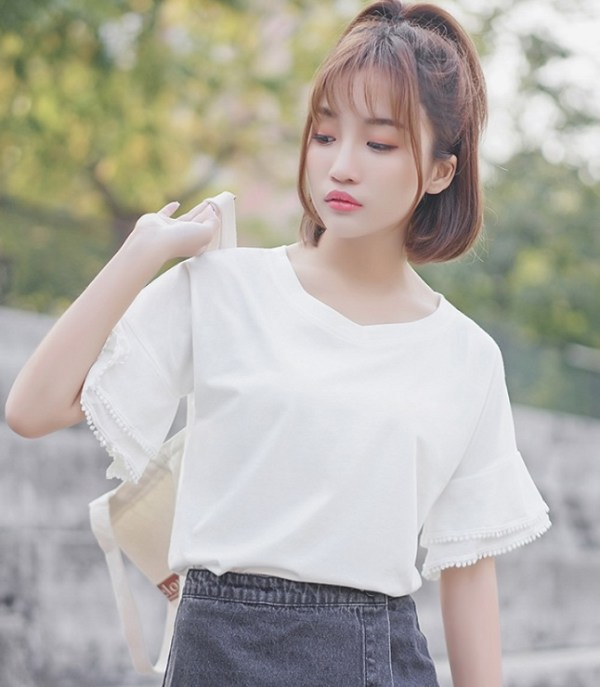 V-Neck Bell Sleeved T-Shirt With Lace