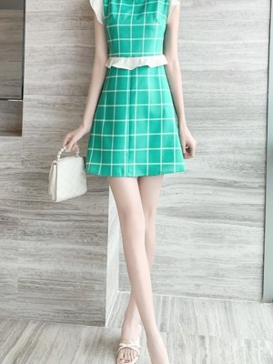 Dahyun Ruffled Sleeveless Green Tartan Dress 00006