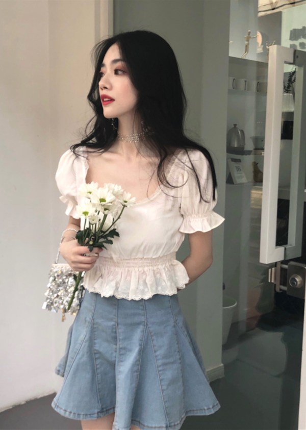 Ruffled Lace White Cropped Top | Hyuna