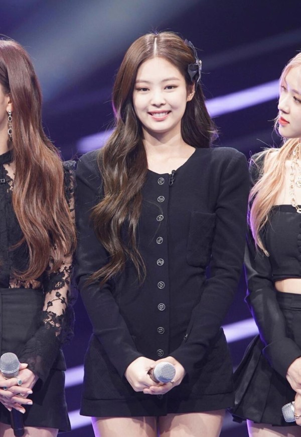 Padded Shoulder Black Slim Jacket | Jennie – Blackpink