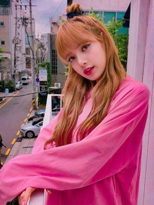 Pink Round Neck Pullover | Lisa – Blackpink