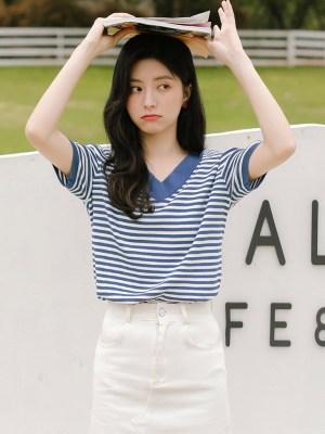 V-Neck Cute Blue Striped T-Shirt (3)