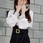Belted High Waist Black Shorts | Chaeryeong | ITZY