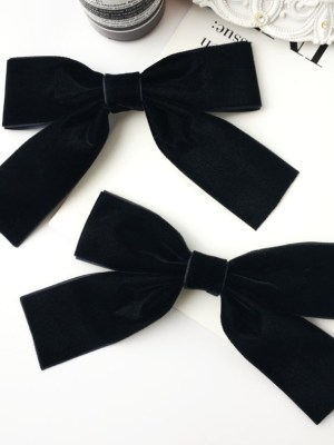 Jisoo Big Black Bow (1)