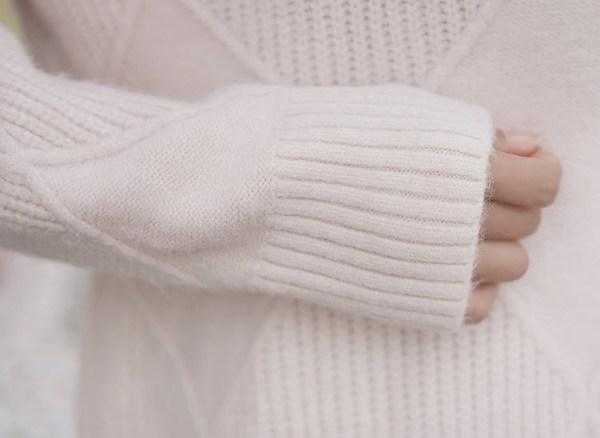 Turtleneck Diamond Pattern Sweater