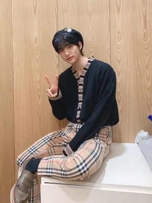 Vintage Check Trousers | Hyunjin – Stray Kids
