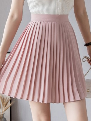 IU – Pink Pleated Skirt (6)