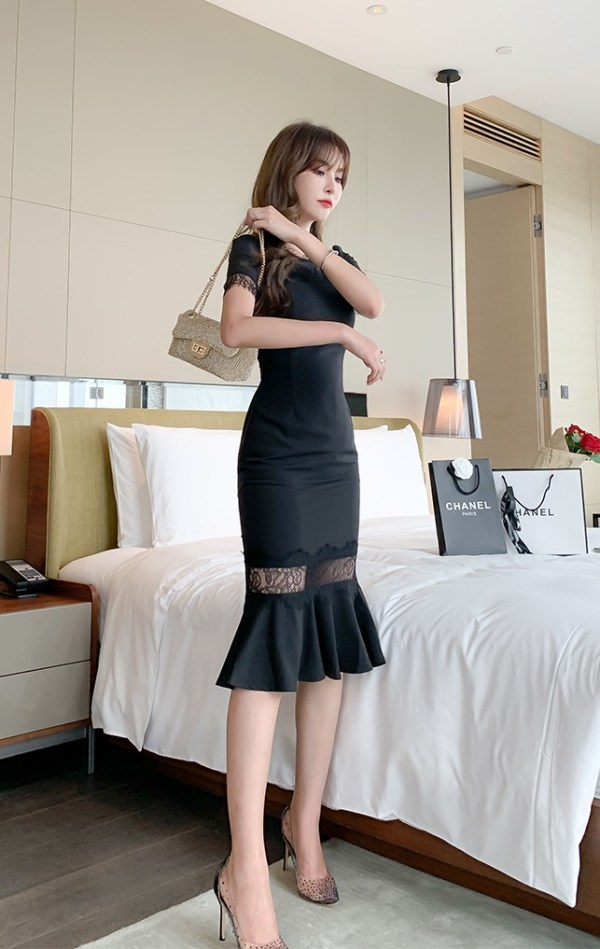 Black Fluted Hem Lace Dress | Jihyo- Twice