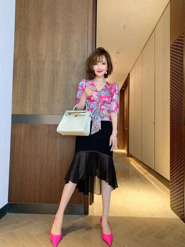 Floral Puffed Sleeve Top    Joy – Red Velvet