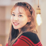 Color Block Knit Cropped Top | Nayeon – Twice