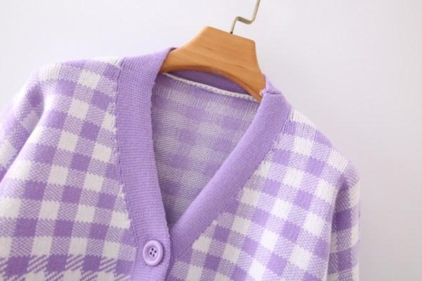 Plaid V-Neck Knitted Cardigan | Hyunjin – Loona