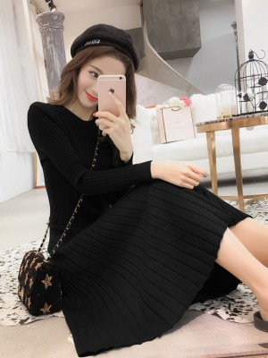 Jennie – BlackPink Black Knitted Dress (4)