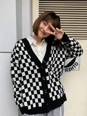 Yugyeom – GOT7 Black And White Checkerboard Cardigan (12)