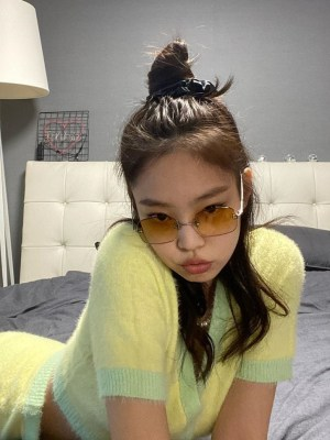 Yellow Cropped Cardigan | Jennie – BlackPink