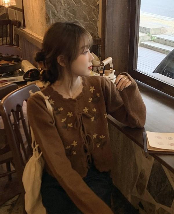 Flower Embroidered Cardigan Set | Lisa – BlackPink