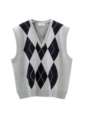 Nayeon -Twice Grey Diamond Patterned Knit Vest (11)