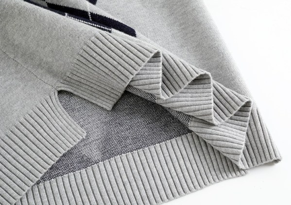 Grey Diamond Patterned Knit Vest   Nayeon -Twice