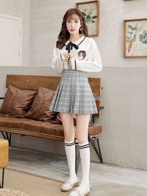 Jimin – BTS Contrast Stripe Patterned Knee-High Socks (1)