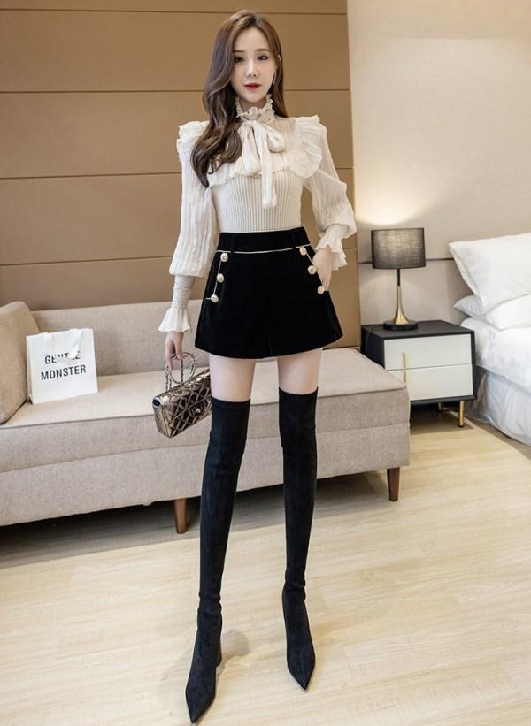 Black Gold Buttoned Velvet Shorts   Jisoo – BlackPink