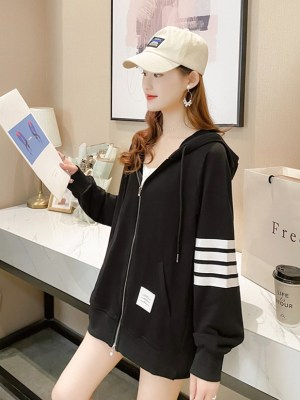 Lee Su Ho – True Beauty Black Hooded Jacket With Line Bars (13)