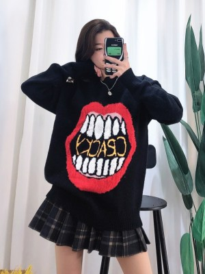 The8 – Seventeen Big Red Lip Sweater (6)