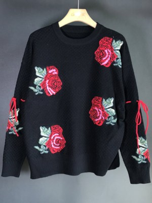 Yuna Flower Embroidered Black Sweater (2)