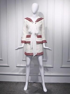 Jennie – BlackPink White Tweed Jacket With Navy Collar (6)