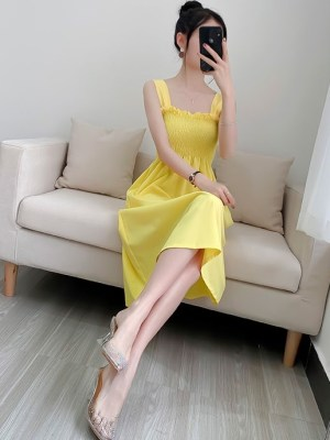 Soojin – (G)I-DLE Bright Yellow Dress (10)