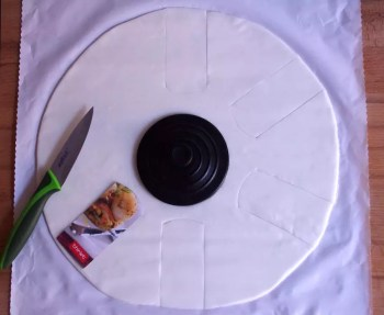 gâteau poker, sky-high chocolat croustillant glaçage brillant, décoration jeton poker