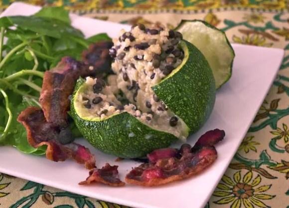 courgettes-farcies-quinoa-lentilles-chevre-pancetta