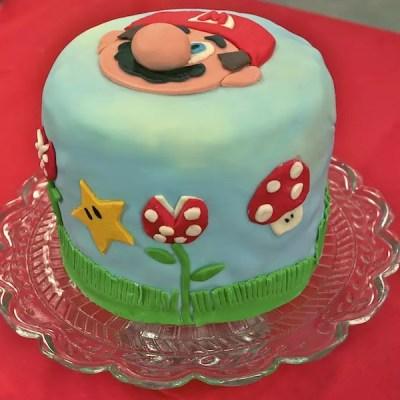 Rainbow cake Mario Bros [en vidéo fashion]