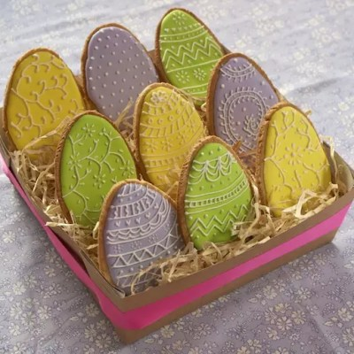 Sablés œufs de Pâques colorés [en vidéo]