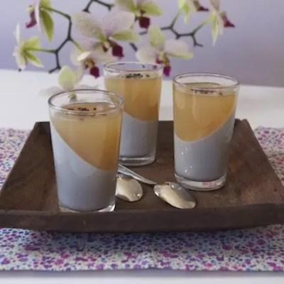 Panna cotta sésame noir-gelée thé au jasmin en biais [Résultats du concours inside]