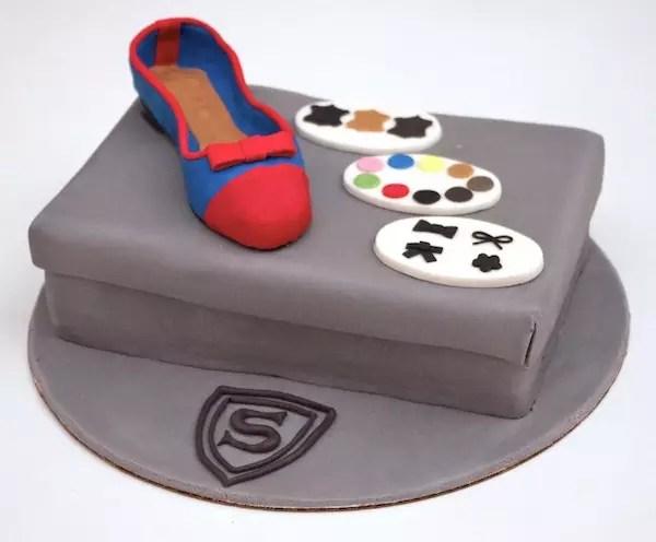 À Chaussures Ballerine Et Sa Gâteau Boite sQrxBtdCh