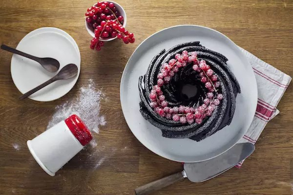 bundt-cake-chocolat-groseilles-noel