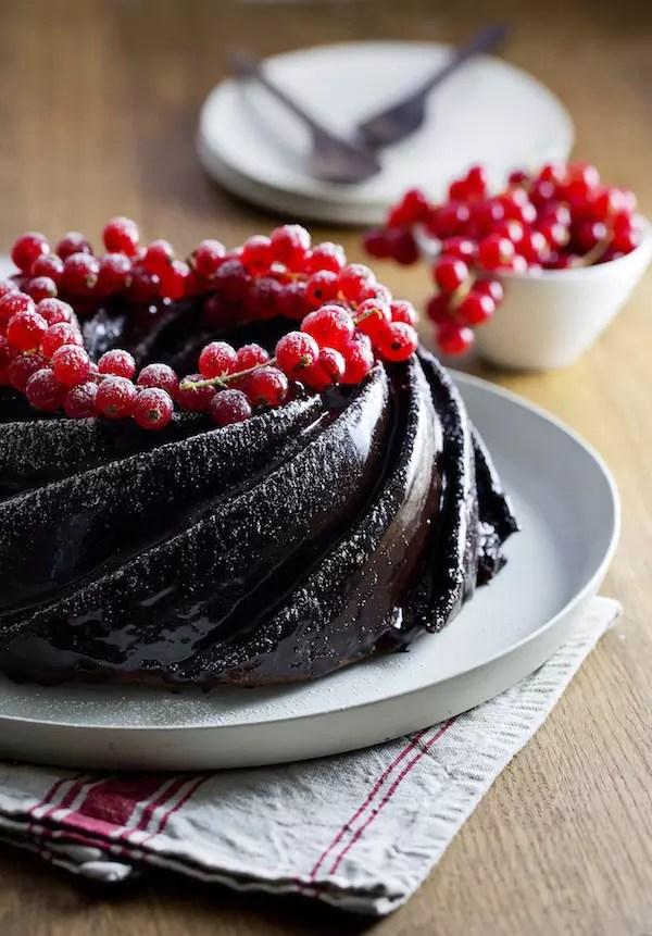 bundt-cake-chocolat-groseilles