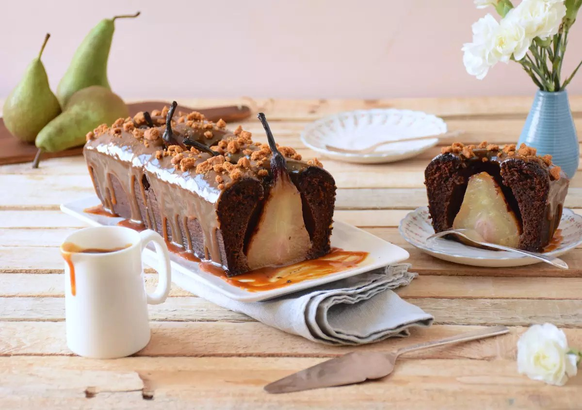chocolate cake whole pears