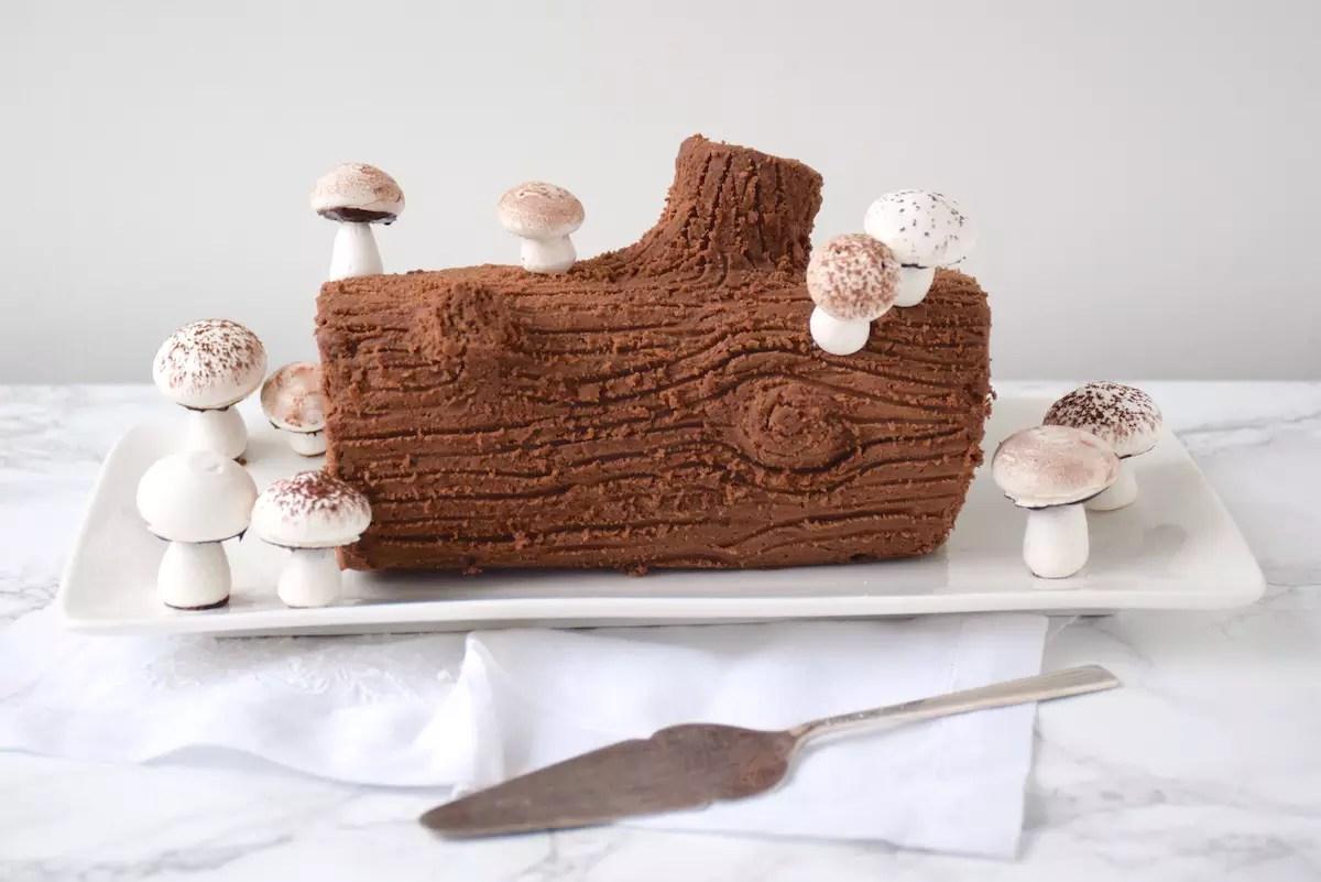 Bûche aux marrons et champignons en meringue