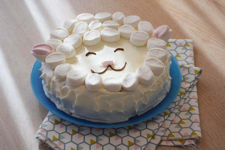 Concentré de tendresse – Gâteau mouton facile en chamallows