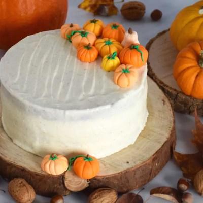 Gâteau au potimarron et ses citrouilles en pâte à sucre