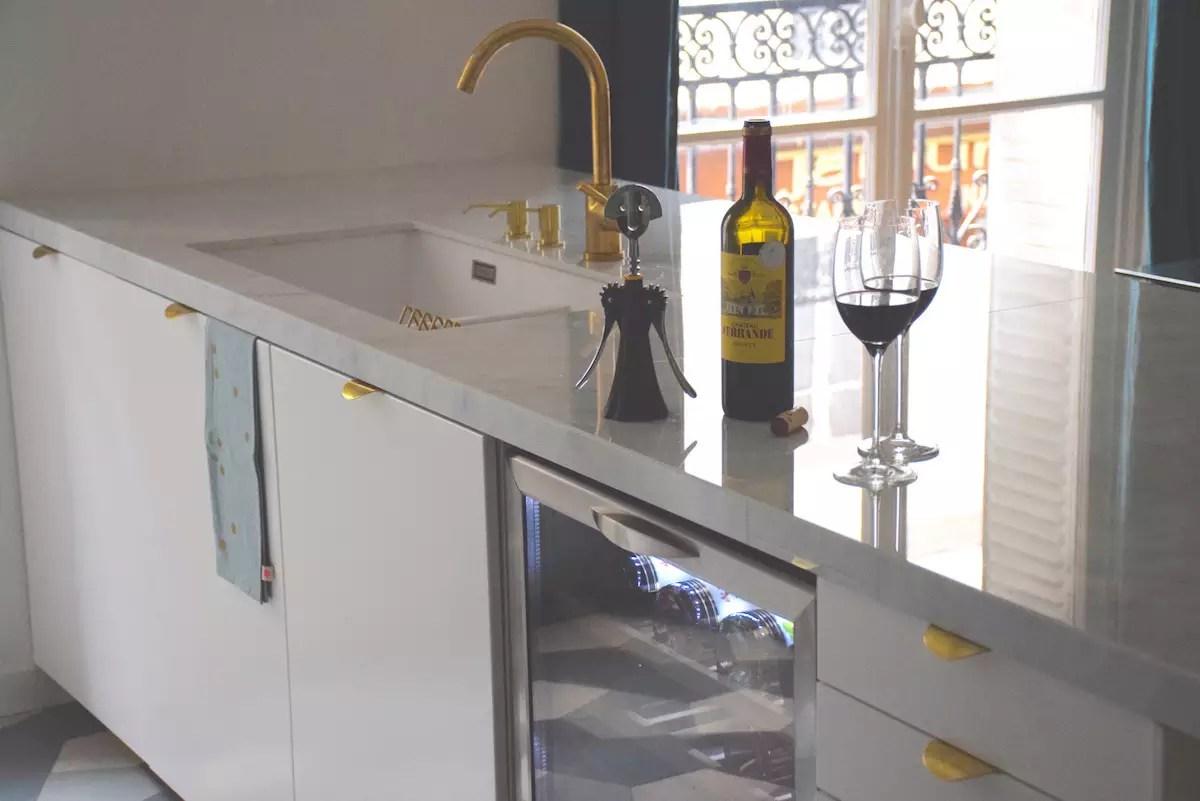 ma nouvelle cuisine 3 la cave vin anne sophie fashion cooking. Black Bedroom Furniture Sets. Home Design Ideas